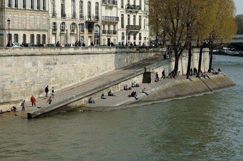 800px-Quais_de_Seine