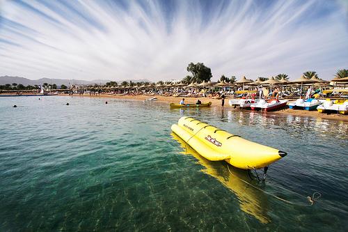 sharm-el-sheikh-beach_By_WomEOS_Creative Commons