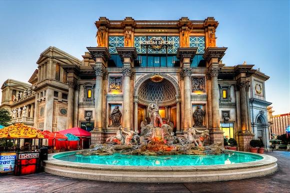 Caesars_Palace,_Las_Vegas