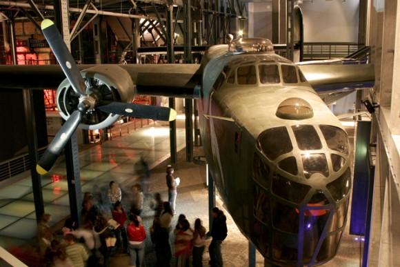 Liberator plane simulation, Warsaw Rising Museum (Creative Commons)