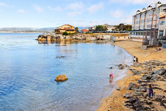 Beach at Cannery Row by Flickr user Paul Robinson (Creative Commons)
