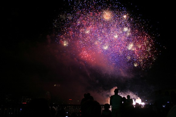 Boston Fourth of July Fireworks by Flickr User ADupnik (Creative Commons)